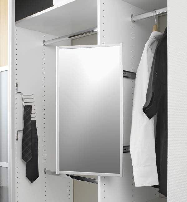 Utdragbar spegel. 1640 (xTx)