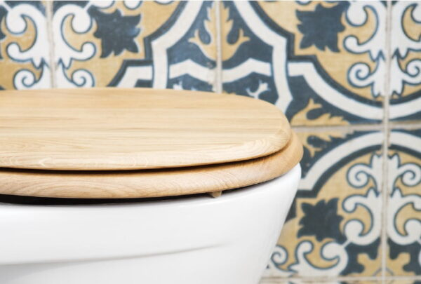 Toalettsits i Trä Kandre Kanwood