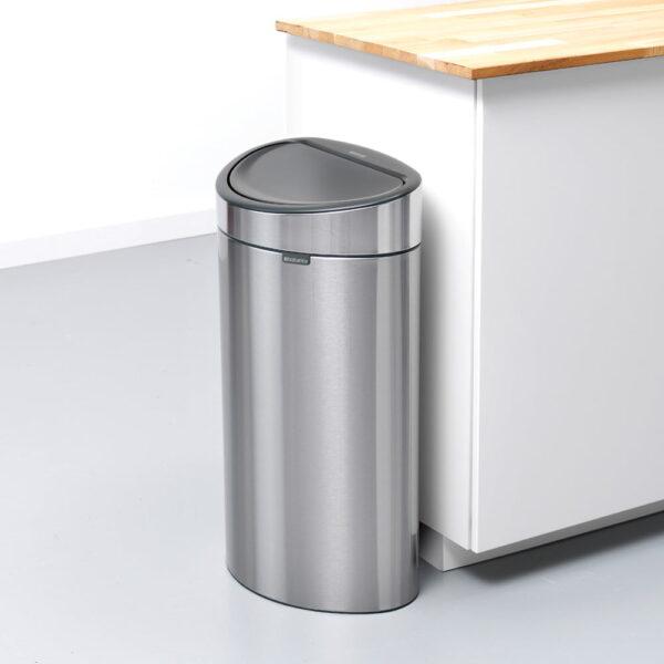 Golvstående Sophink Brabantia Touch Bin New 40 liter